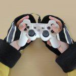ゲーム中の手の冷たさ対策!コントローラーがしっかり持てる手袋【もてぶくろ】