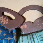 レーザーカッター彫刻した革と反物のバッグ